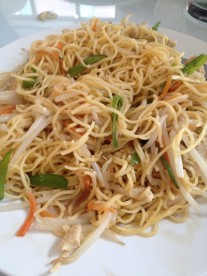Tiya's |fried noodles with chicken