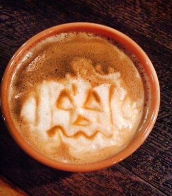 Cafe La Reine | pumpkin spice latte