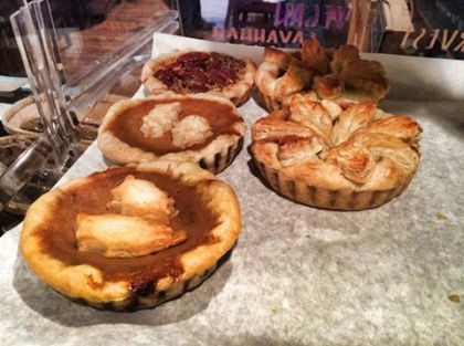 Cafe La Reine | Thanksgiving Pie