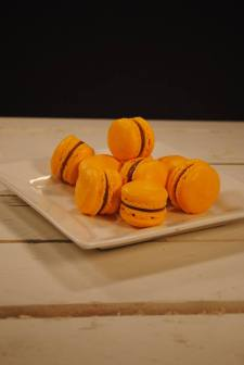 Finesse | Passion Fruit Macaron