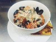 Hooked | Mussels Fra Diavolo