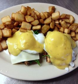 Red Arrow Diner | Chicken Florentine Benedict